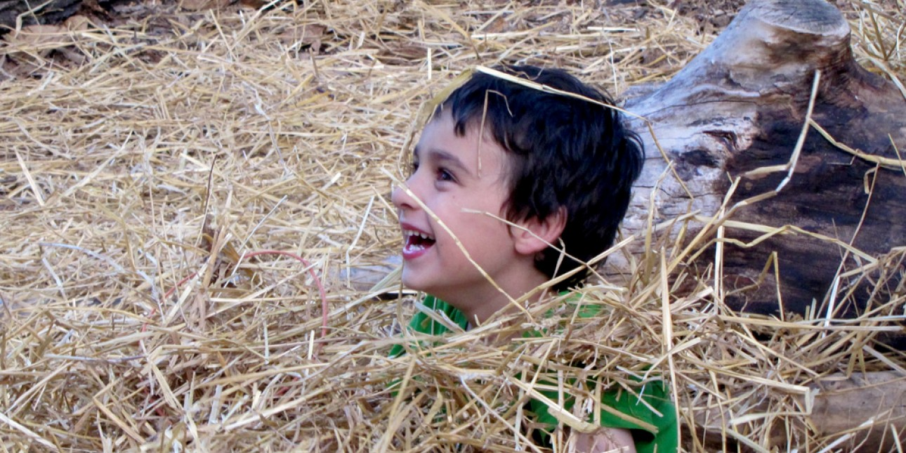 PIC child in straw